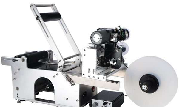 Semi-Awtomatikong Round Bottle Labeling Machine